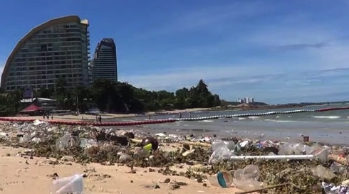 What a tip! More beach trash in Pattaya as hoteliers slam council | Samui Times