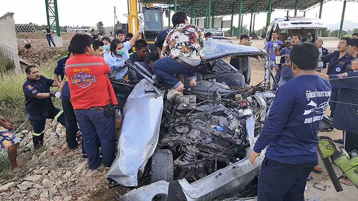 Mechanic killed in ten wheeler collision as pick-up taken out on test run | Samui Times