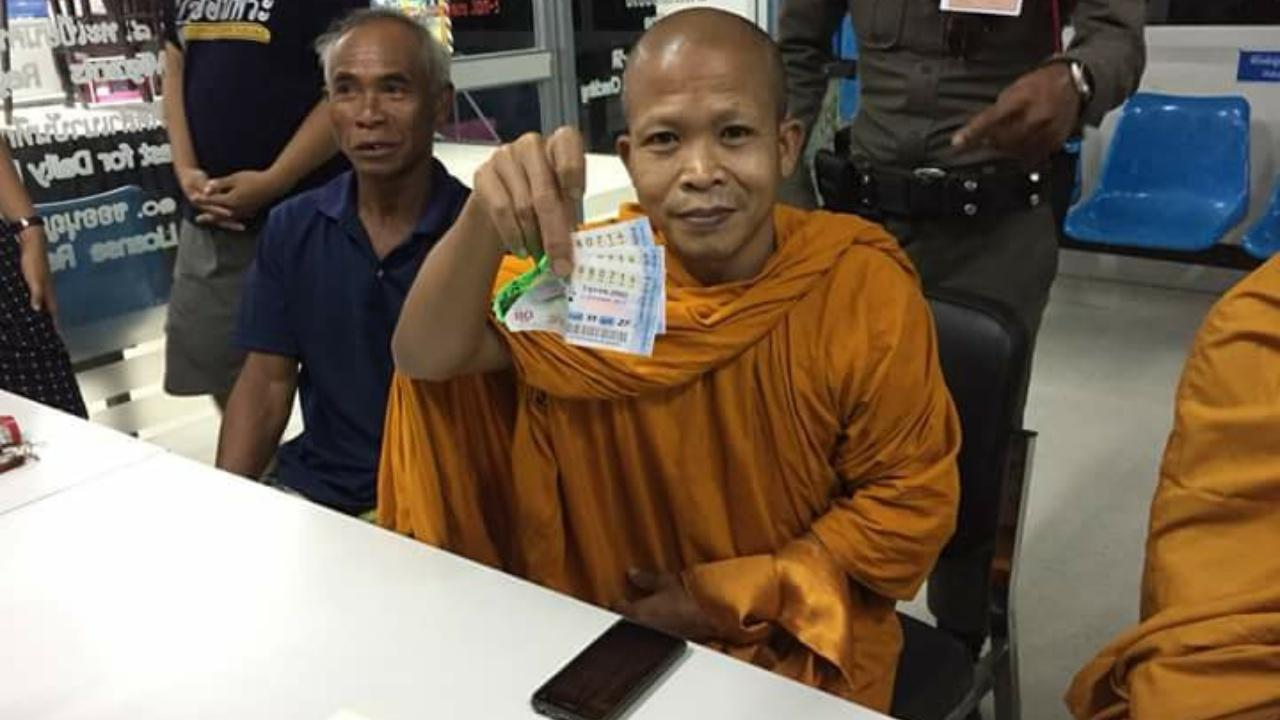 Monk scoops 18 million baht in the National Lottery | Samui Times