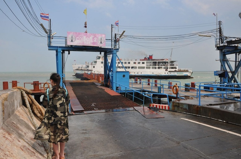 Suspended Chumphon-Koh Tao ferry service back to normal Wednesday | Samui Times