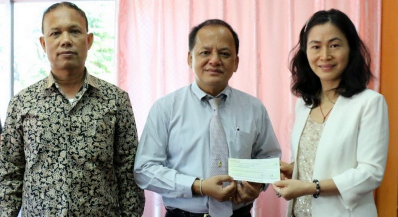 Chinese Consulate gifts B200k for Phuket CCTV cameras | Samui Times