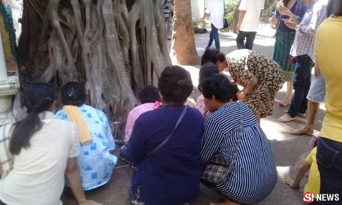 Hundreds flocking to Udon shrine as famous medium leads the way to lottery riches! | Samui Times