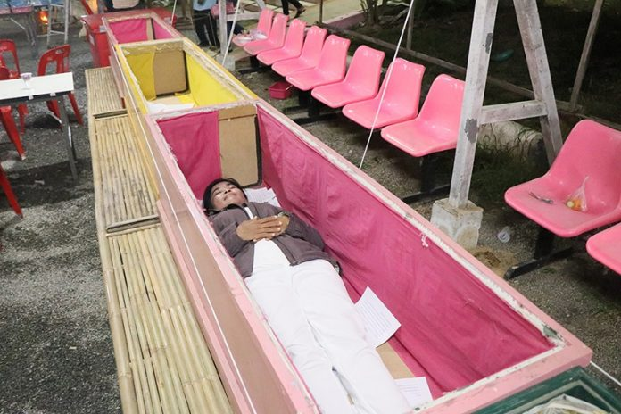 Believers In Temples Take To Coffins To Wish For 2018 Luck | Samui Times