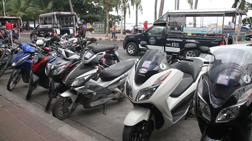 Pattaya police get tough on licences: Fines for tourists AND rental companies AND confiscation of vehicle | Samui Times