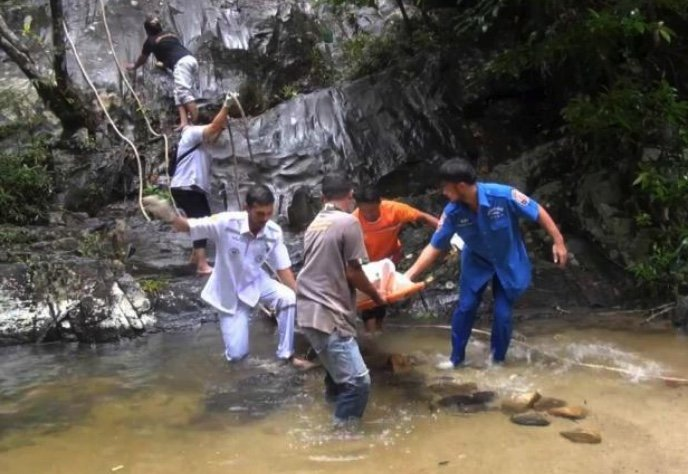 Mystery woman found dead at waterfalls: Could she be Singaporean?   Samui Times