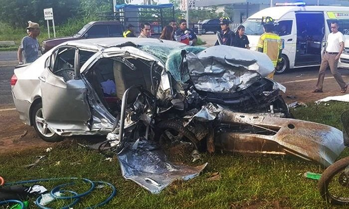 Five killed in Si Sa Ket as cars collide in fog | Samui Times