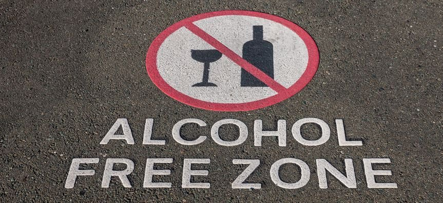 More than 1,000 secondary schools to be alcohol-free zones | Samui Times