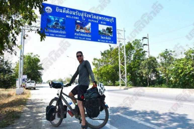 Thai mini vans are the most dangerous thing, says Dutch cyclist who rode to see his dad in Thailand | Samui Times