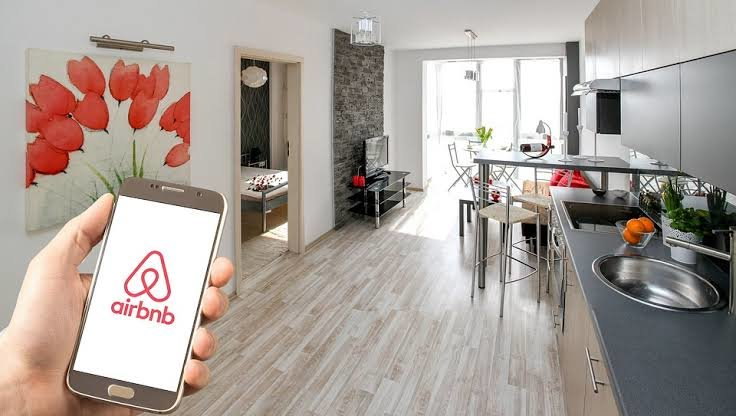 Foreign visitors increasingly use  Airbnb during major tourism events | Samui Times