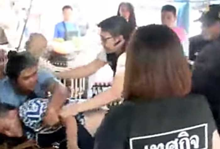Eggstremely violent! Trader and local authority clash | Samui Times