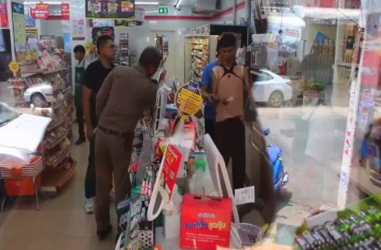 Robber who held up 7-Eleven was starving after eating plain rice for seven days | Samui Times