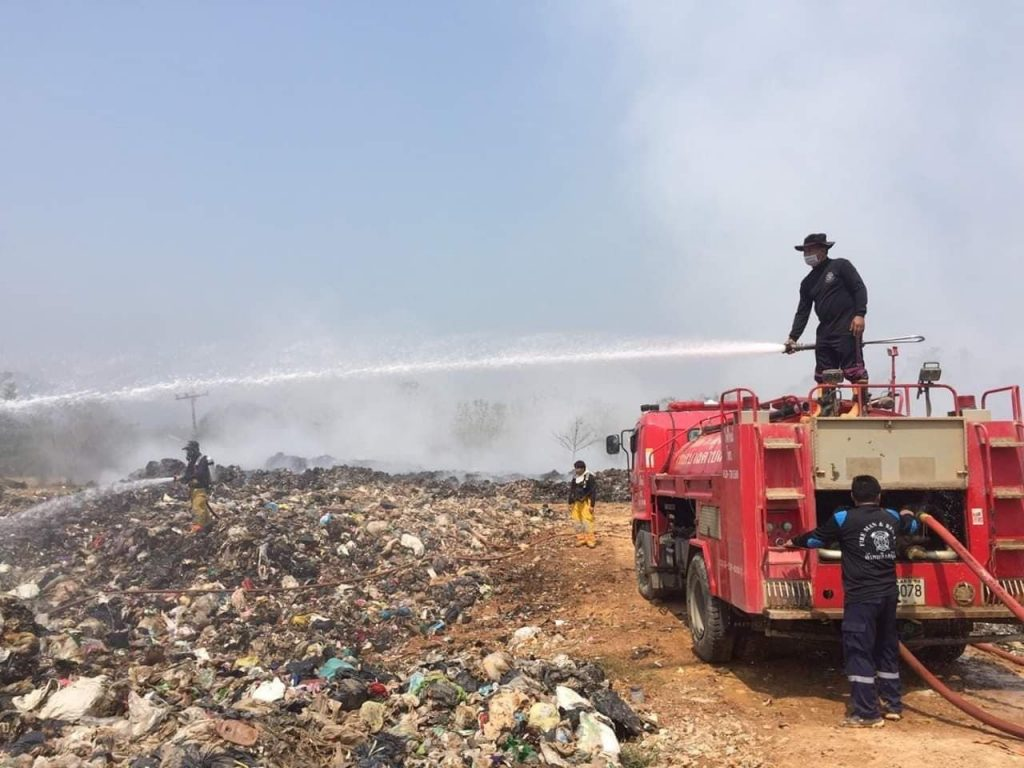 Fire-fighters enter third day of battle at Chiang Rai dump | News by Samui Times