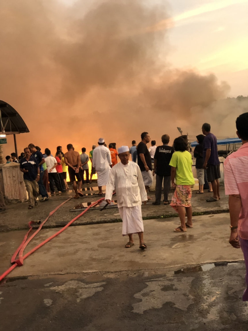 Fishing trip boats destroyed by fire | Samui Times