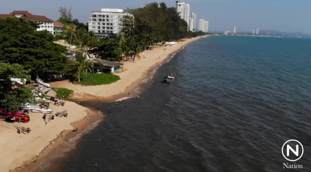 Na Jomtien beach polluted with putrid wastewater – tourists urged to stay away | Samui Times