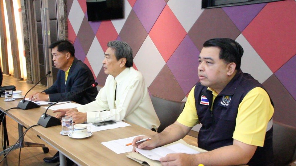 Pattaya in crisis: Meeting held to discuss what to do about speedboats on the beach | Samui Times