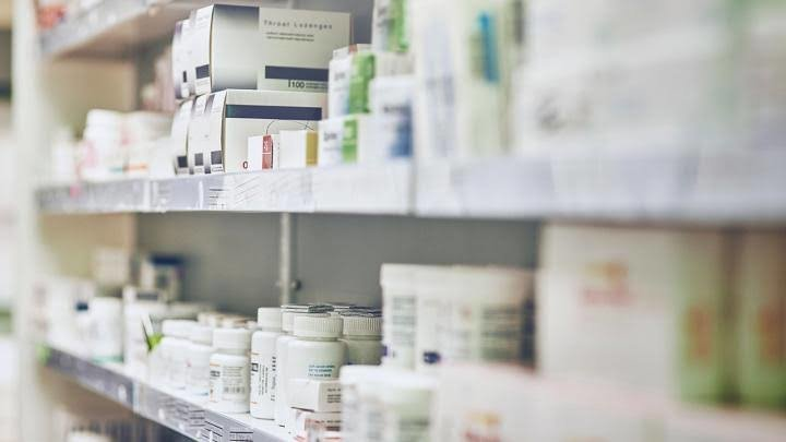 Private hospitals ordered to display medicine prices | Samui Times