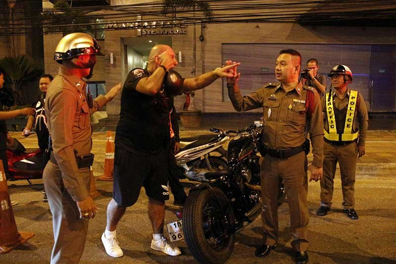 Aussie man rages after being arrested by police in Pattaya | Samui Times