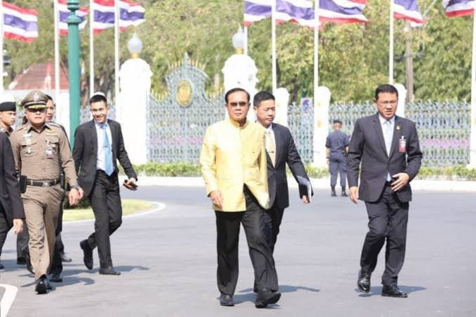 Talk of coup rears its ugly head again | Samui Times