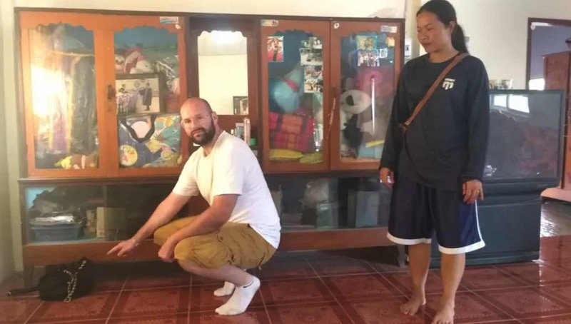 Foreigner robbed of 800,000 baht on his first day back in Isaan village | Samui Times