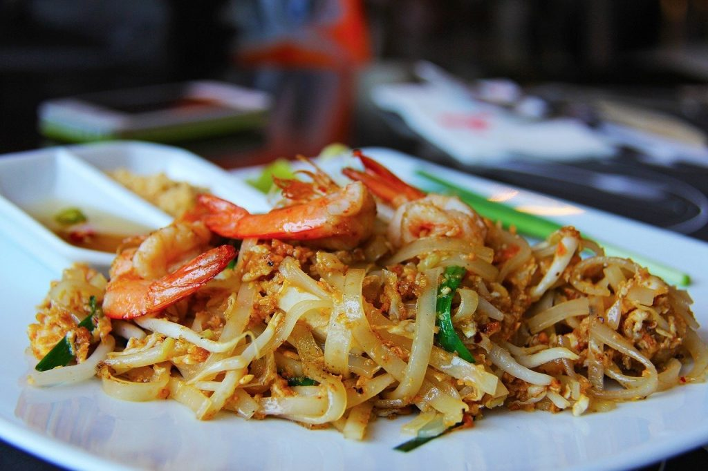 """Thai health authorities probe Aussies' claim of """"two years in hell"""" after eating Pad Thai in Thailand in 2017 