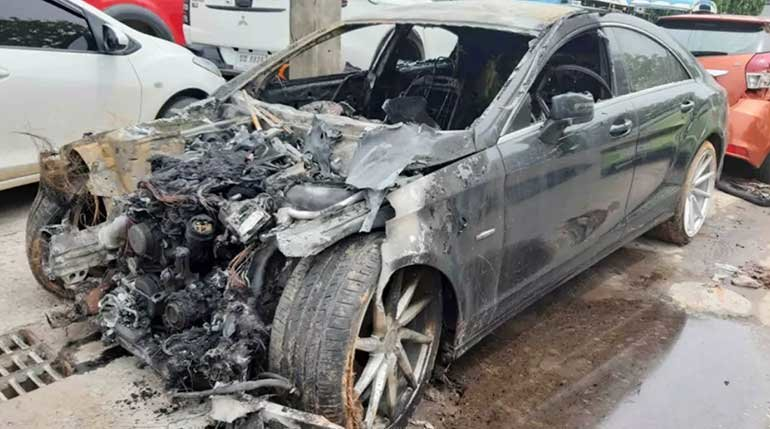 Udon man sets fire to his Benz because rich daddy wouldn't pay his bar bill | Samui Times