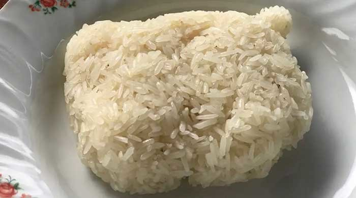 Drought crisis sees sticky rice price double amid widespread shortages | Samui Times