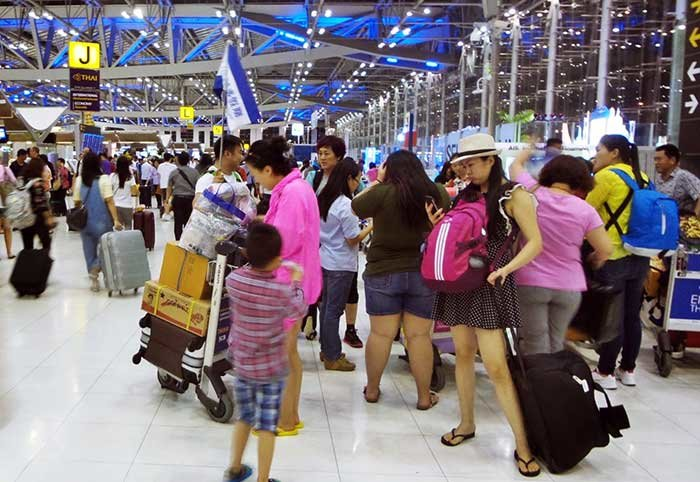 """Thailand tourism: 40 million will visit """"for sure"""" next year and Chinese for free, minister   Samui Times"""