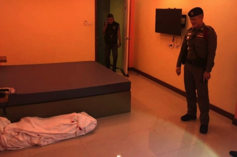 Maids in shock as they discover wrapped corpse at Bangkok hotel – but why is the policeman smiling? | Samui Times