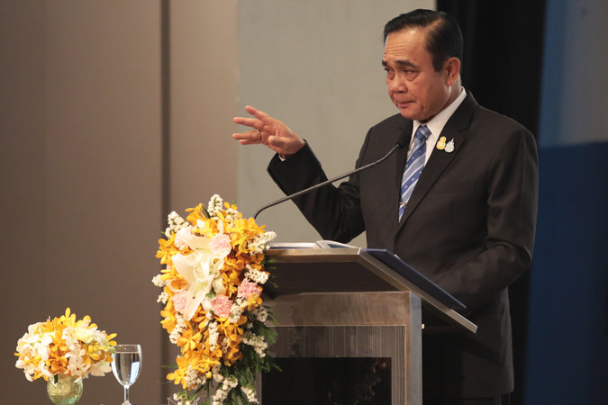 Drivers of polluting vehicles will be arrested, warns Prayut | News by Samui Times