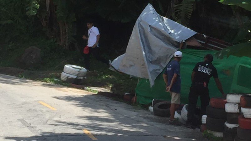 Tourist 'beach bus' crashes on way to Paradise Beach, no serious injuries say police | Samui Times