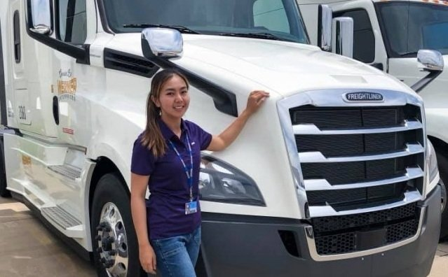 US truck driver Pim becomes an Internet sensation | Samui Times