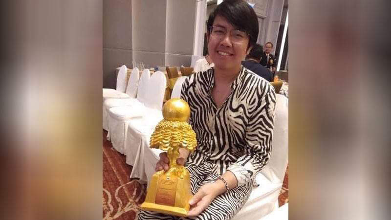Activist honoured for championing cause of democracy | Samui Times