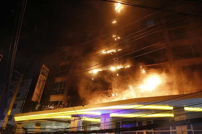 Pattaya: Four hundred tourists evacuated as fire breaks out at Holiday Inn hotel | Samui Times