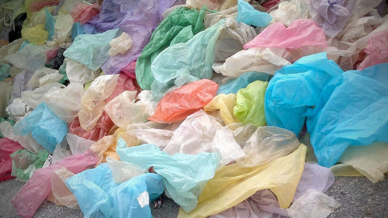 Thai retailers to stop giving plastic bags from Jan 1 | Samui Times