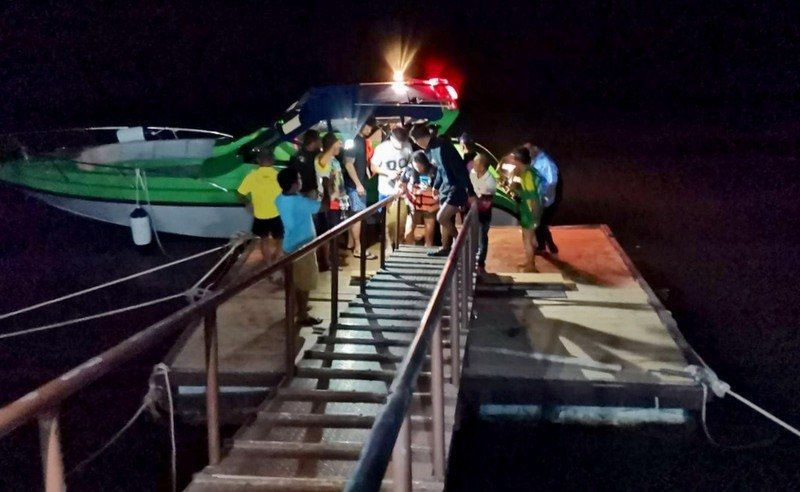 Tourists safe after longtail boat swamped, left stranded in Phang Nga Bay | Samui Times