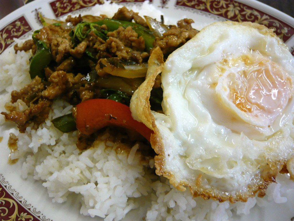 Kao Rad Pad Kra Pao   Very spicy minced pork with peppers, o…   Flickr