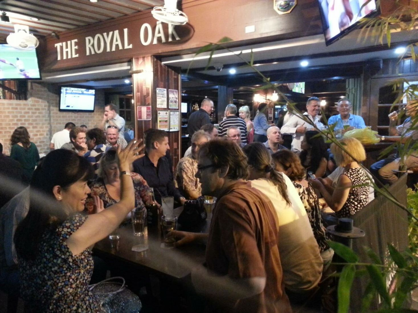 The Royal Oak - one of the best pubs in Bangkok