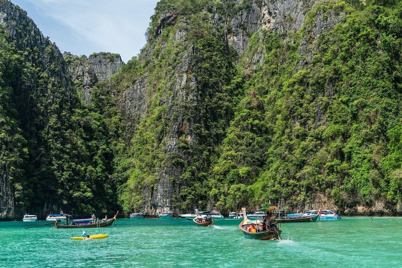 Phi Phi Island Tour. Things to do correctly in Thailand