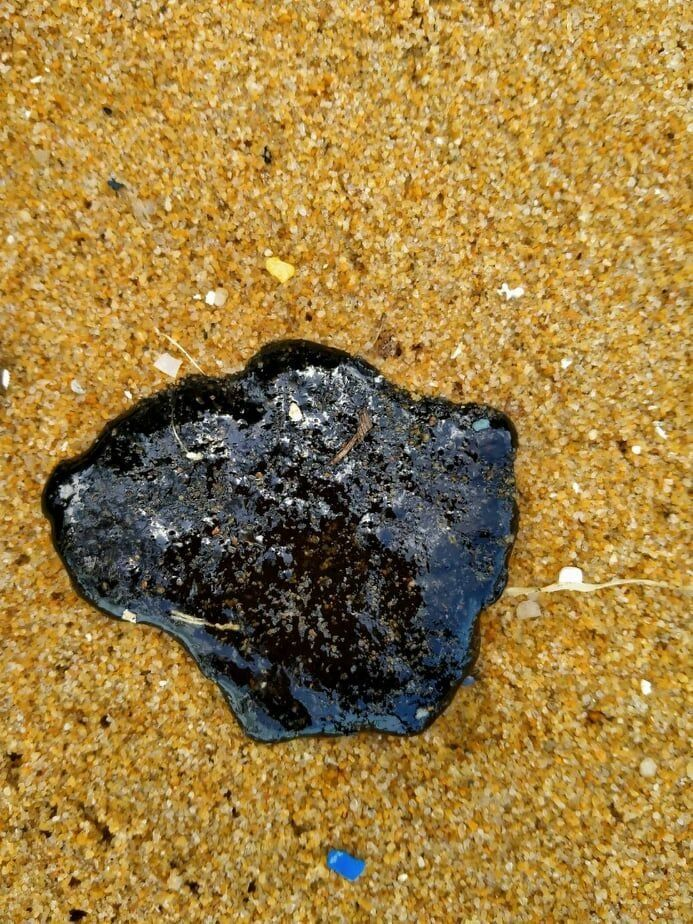 Return of the tar balls on Phuket's northern beaches | News by Thaiger